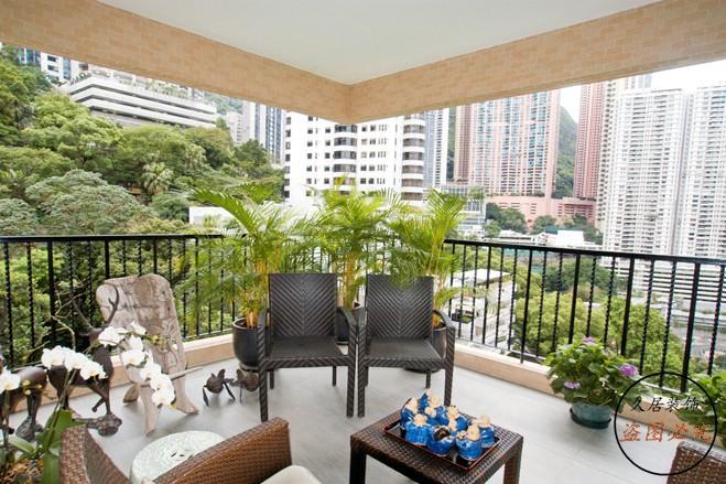 香港的半山腰的住宅为什么住的都是富豪? 靠山而后?玉带揽腰?关注风水的朋友们一定会发现在我国香港地区,半山的住宅都是豪宅,住的都是富豪或者是有钱的的商人这是为何?  其实风水在我们生活中还是随处可见的,就如古代人们都喜欢把房子健在背靠大山,也俗称山脉较多的地方,人们称之为龙脉,门前还有湖泊或者溪水,这些都和风水息息相关,当然在如今要找这样的风水宝地已经难以寻觅,但是在如今在小区门口你会看见水池或者喷泉,其实这不仅仅是装饰,也是风水的一种哦 。  在过去有流传这样的说法,背靠大山门前小溪,这叫玉带揽腰。DO